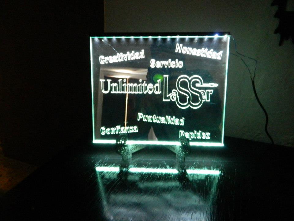 Anuncios luminosos con corte laser sobre acrilico en tijuana