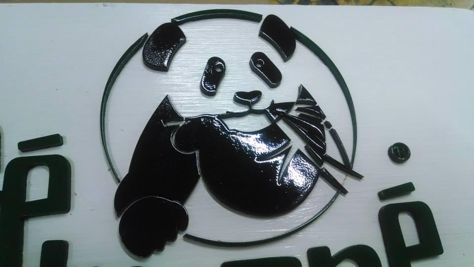 logos corporativos corte laser sobre acrilico
